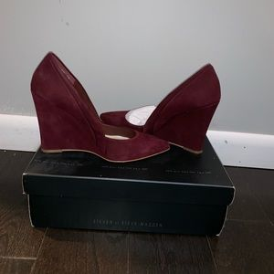 Steven by Steve Madden suede wedge SZ 7